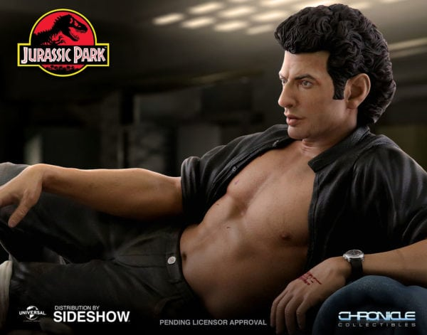 jurassic-park-ian-malcolm-statue-chronicle-collectibles-1-600x471