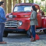 'Elseworlds' crossover image features Clark Kent and Lois Lane