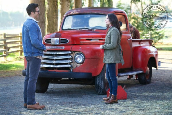 Elseworlds-image-3-Entertainment-Weekly-600x400