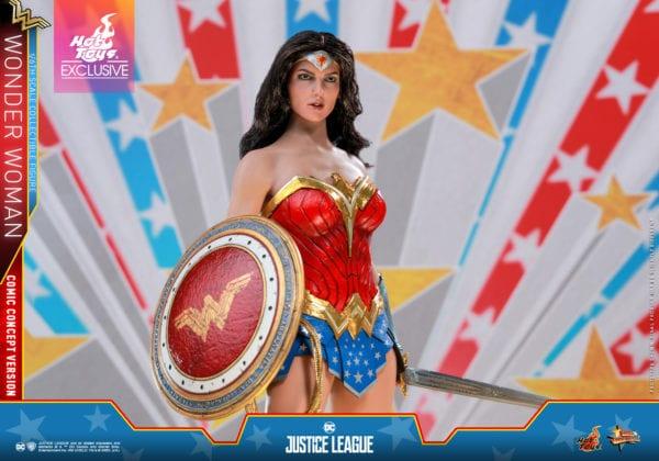 Hot-Toys-Justice-League-Wonder-Woman-Comic-Concept-Version-collectible-figure-2-600x420
