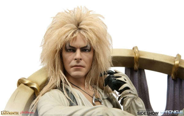 labyrinth-jareth-on-the-throne-statue-chronicle-collectibles-7-600x379