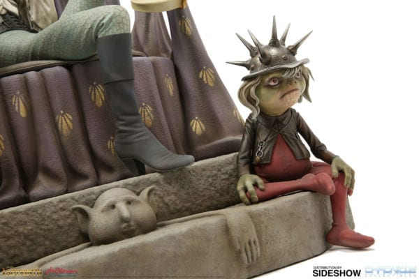 labyrinth-jareth-on-the-throne-statue-chronicle-collectibles-8-600x400