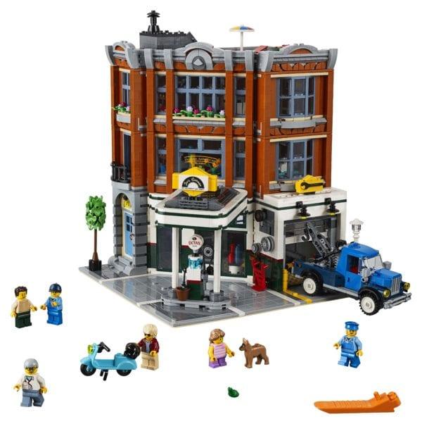LEGO-Creator-Corner-Garage-10266-600x602