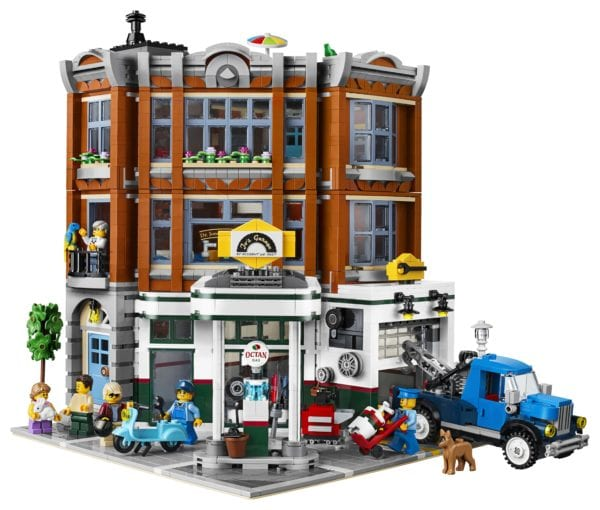 LEGO-Creator-Corner-Garage-10267-600x510