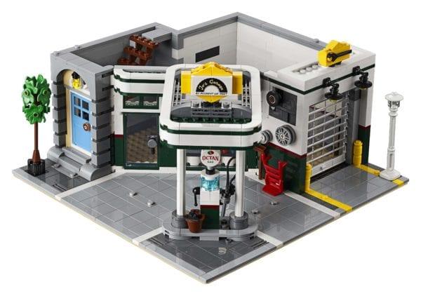 LEGO-Creator-Corner-Garage-10268-600x422