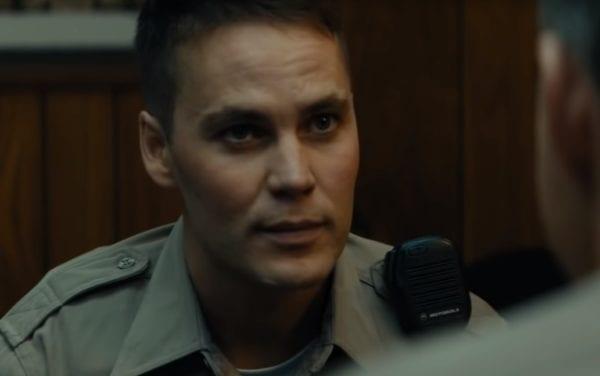 Taylor-Kitsch-True-Detective-screenshot-600x376
