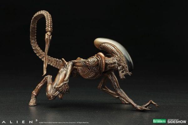 alien3-dog-alien-statue-kotobukiya-2-600x400