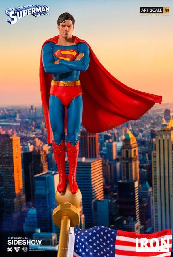 dc-comics-superman-1978-deluxe-statue-iron-studios-2-600x890