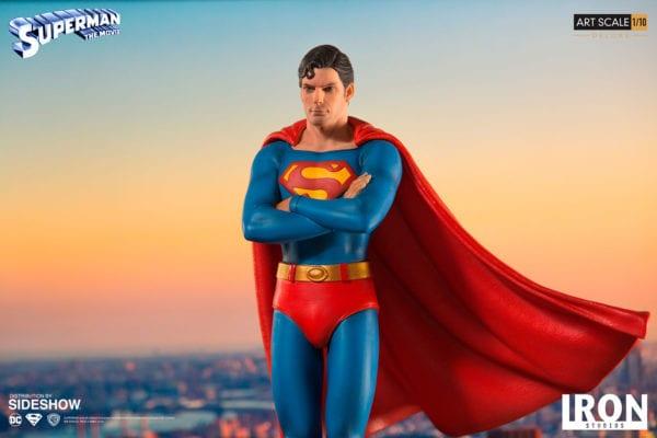 dc-comics-superman-1978-deluxe-statue-iron-studios-3-600x400