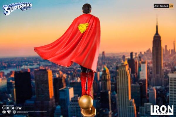 dc-comics-superman-1978-deluxe-statue-iron-studios-5-600x400