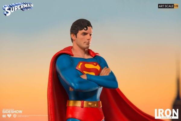 dc-comics-superman-1978-deluxe-statue-iron-studios-6-600x400