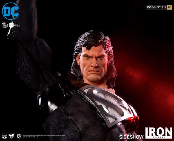dc-comics-superman-black-suit-statue-iron-studios-4-600x487