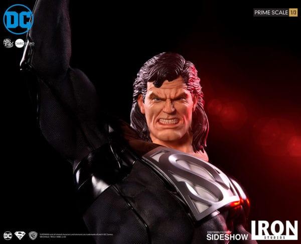 dc-comics-superman-black-suit-statue-iron-studios-5-600x487