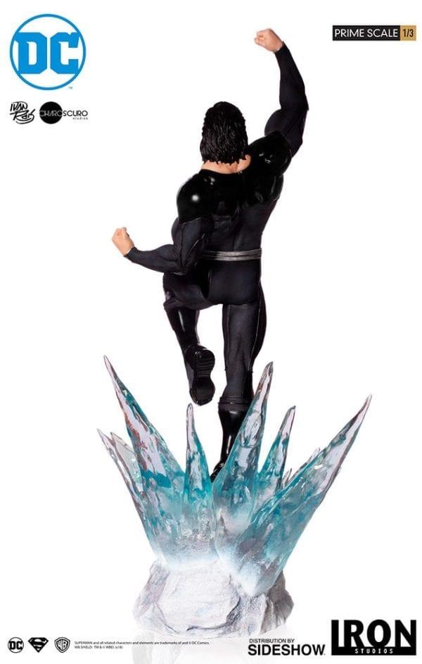 dc-comics-superman-black-suit-statue-iron-studios-8-600x943