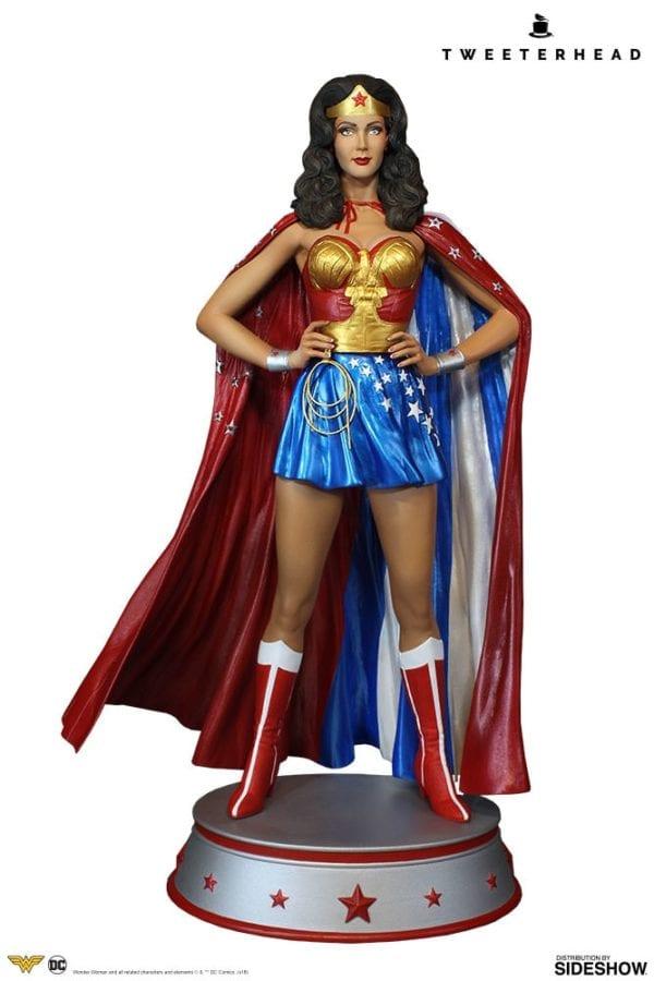 dc-comics-wonder-woman-cape-variant-maquette-tweeterhead-3-600x900