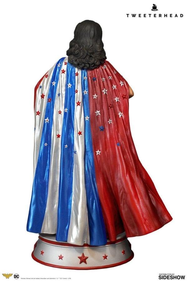 dc-comics-wonder-woman-cape-variant-maquette-tweeterhead-4-600x900