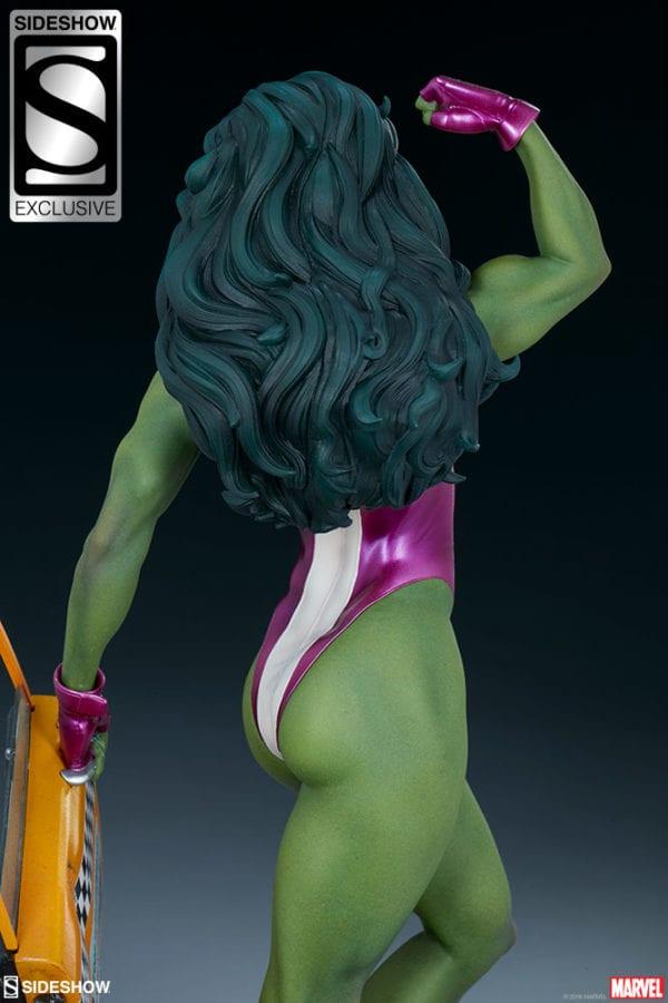 marvel-she-hulk-statue-sideshow-2-600x900