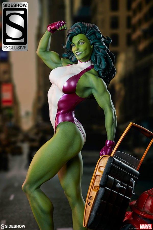 marvel-she-hulk-statue-sideshow-3-600x900