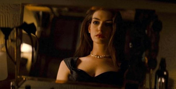 Anne-Hathaway-Catwoman-The-Dark-Knight-Rises-6-600x305