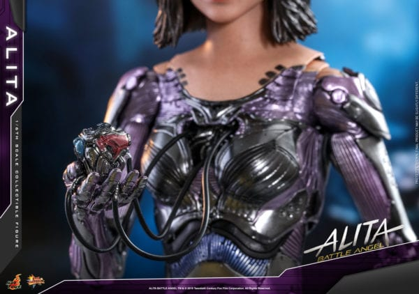 Hot-Toys-Alita-Alita-Collectible-Figure-11-600x422