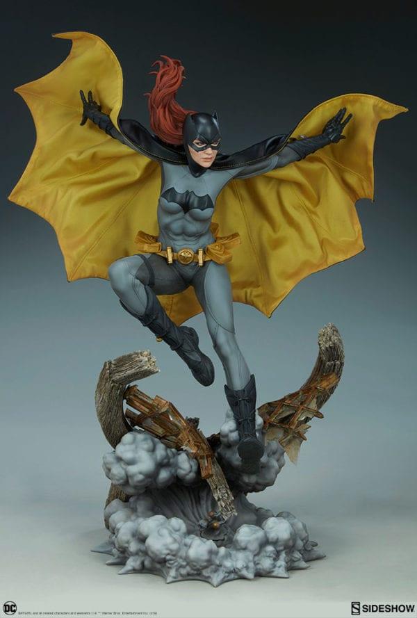 dc-comics-batgirl-premium-format-figure-sideshow-10-600x889