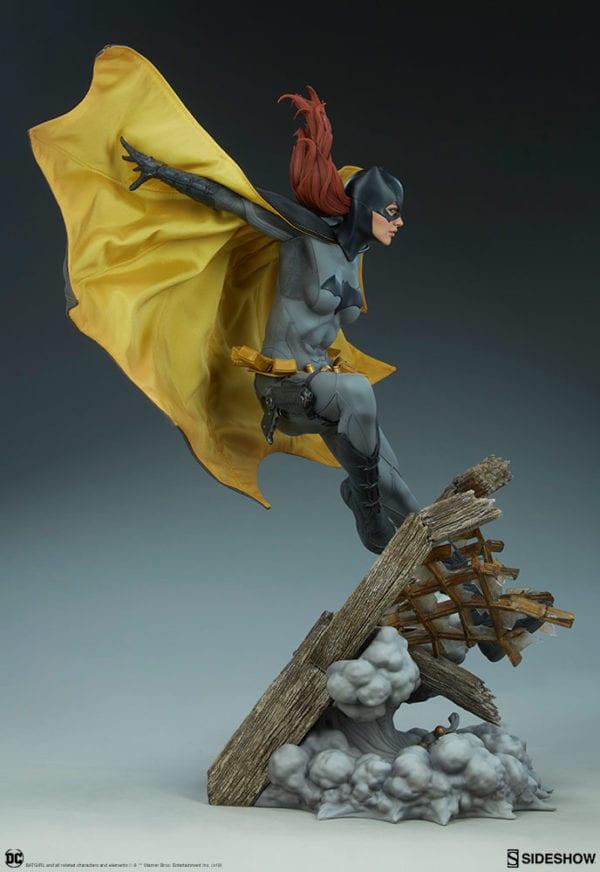 dc-comics-batgirl-premium-format-figure-sideshow-9-600x872
