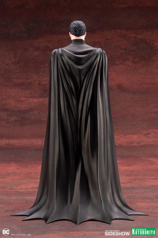 dc-comics-batman-statue-kotobukiya-2-600x900