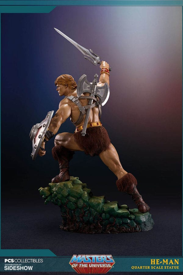 masters-of-the-universe-he-man-statue-pop-culture-shock-5-600x900