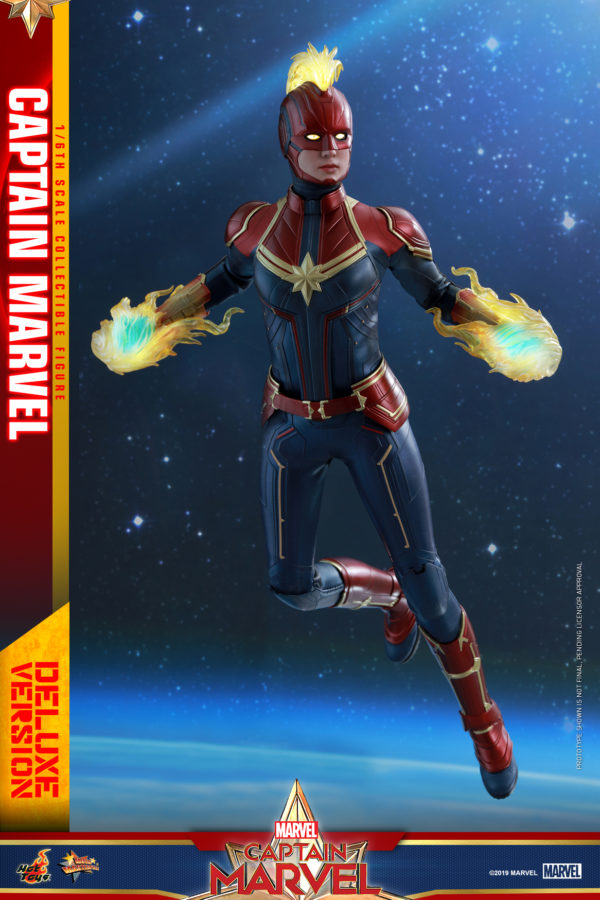 Hot-Toys-Captain-Marvel-Captain-Marvel-collectible-figure-Deluxe-1-600x900