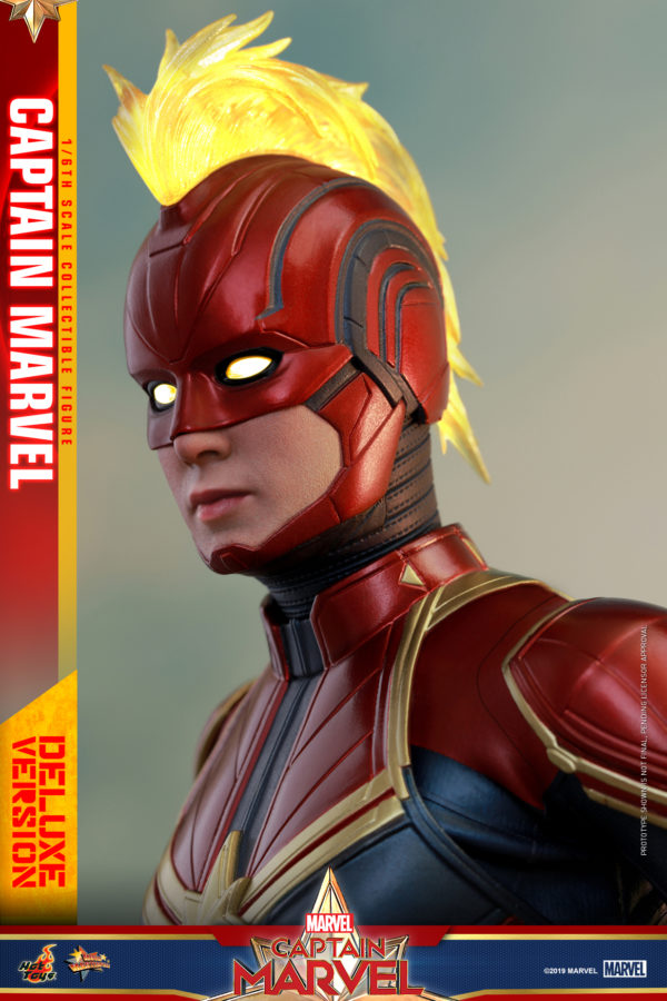 Hot-Toys-Captain-Marvel-Captain-Marvel-collectible-figure-Deluxe-10-600x900