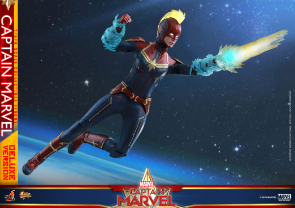 Hot-Toys-Captain-Marvel-Captain-Marvel-collectible-figure-Deluxe-12-600x422