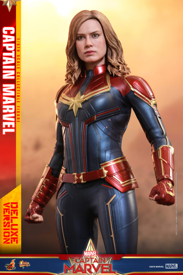 Hot-Toys-Captain-Marvel-Captain-Marvel-collectible-figure-Deluxe-5-600x900