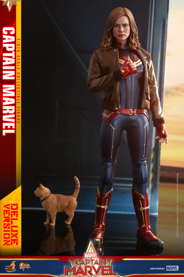 Hot-Toys-Captain-Marvel-Captain-Marvel-collectible-figure-Deluxe-6-600x900