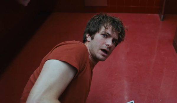 Andrew-Garfield-Under-the-Silver-Lake-trailer-screenshot-600x350