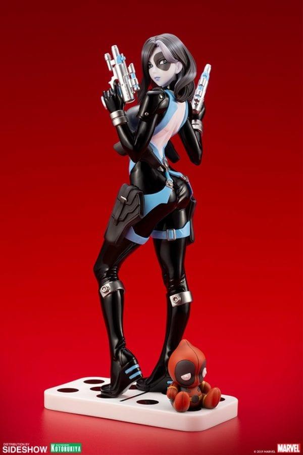 Domino-Kotobukiya-statue-2-600x900