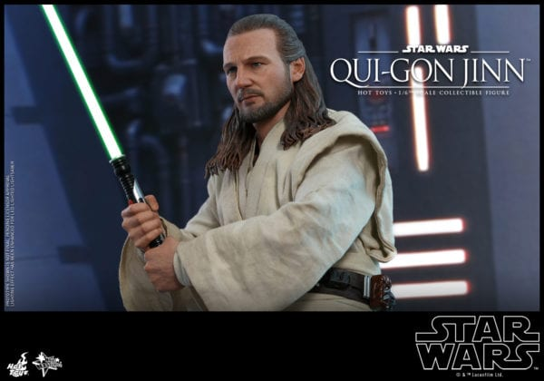 Hot-Toys-Star-Wars-Qui-Gon-Jinn-collectible-figure-8-600x420