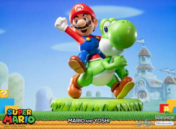 Mario-and-Yoshi-statue-1-600x440