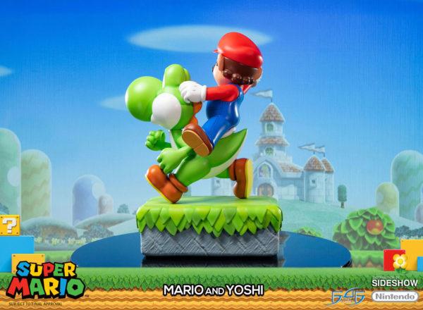 Mario-and-Yoshi-statue-5-600x440