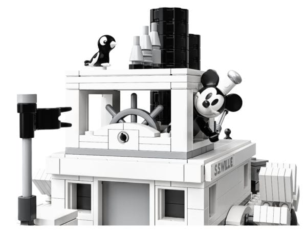 Steamboat-Willie-LEGO-5-600x455