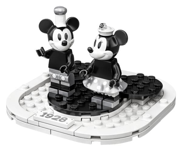 Steamboat-Willie-LEGO-6-600x497