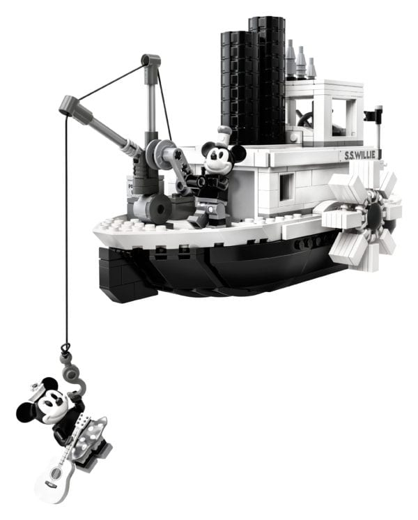 Steamboat-Willie-LEGO-7-600x746