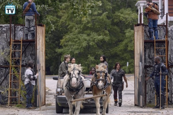 The-Walking-Dead-915-12-600x400