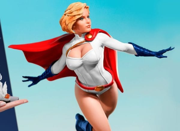 power-girl_dc-comics-SIdehsow-1-600x436