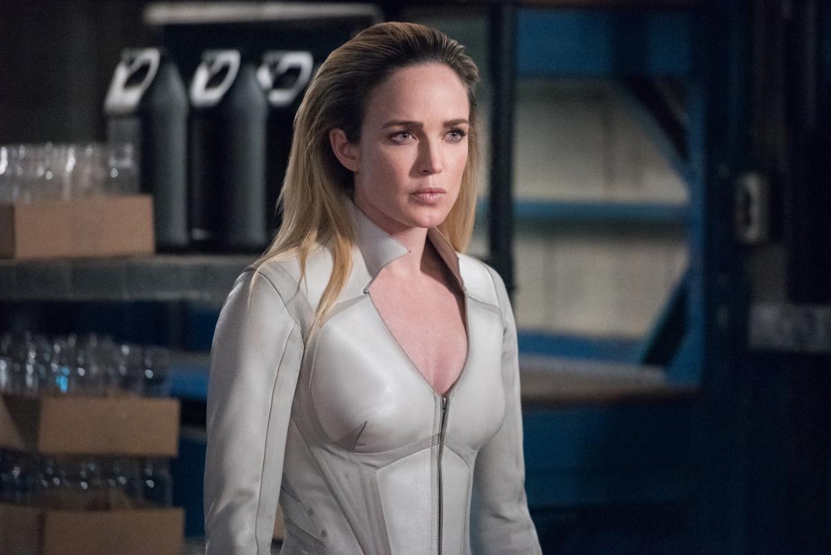 Sara Lance Returns In Promo Images For Arrow Season Episode 18