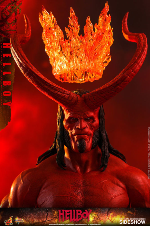 Hellboy-Hot-Toys-statue-10-600x900