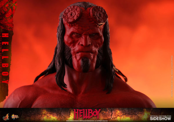 Hellboy-Hot-Toys-statue-11-600x422