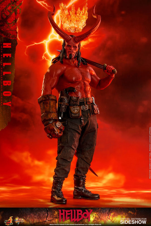 Hellboy-Hot-Toys-statue-2-600x900