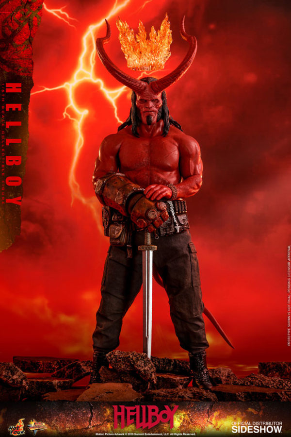 Hellboy-Hot-Toys-statue-3-600x900