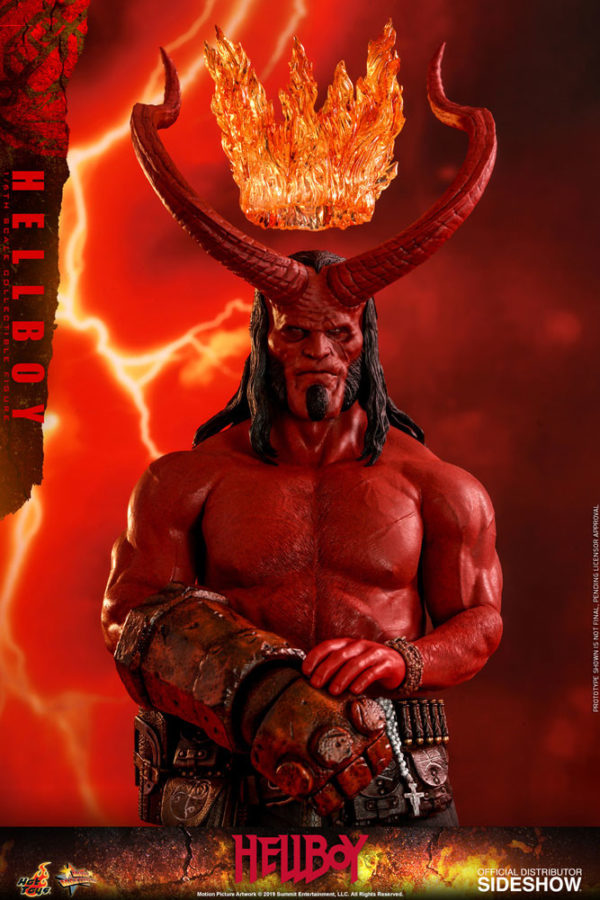 Hellboy-Hot-Toys-statue-9-600x900