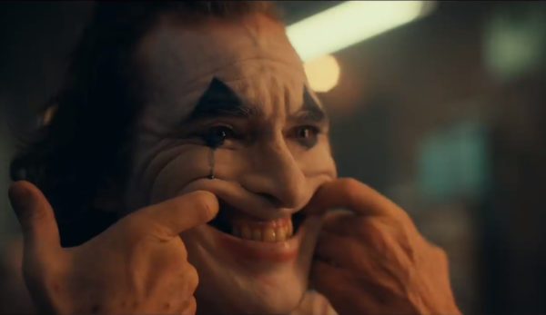"""Kevin Smith reacts to the Joker trailer, saying he """"loves"""" the tone"""